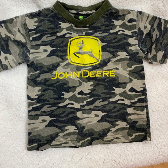 Boys John Deere short sleeve camo tee